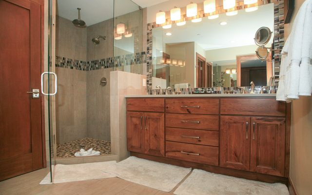 595 Vail Valley Drive # 167d - photo 3
