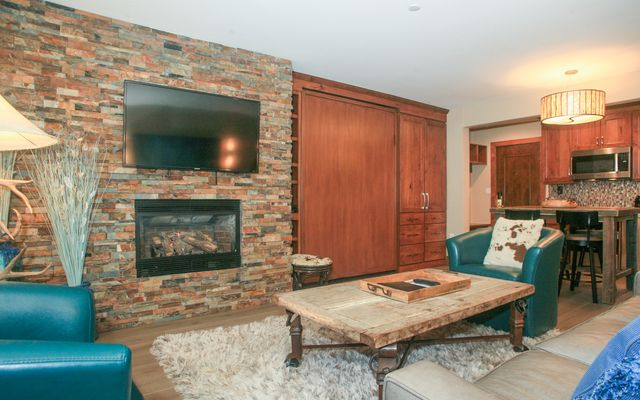 595 Vail Valley Drive # 167d - photo 4