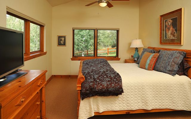 2460 Saddle Ridge Loop # B - photo 12