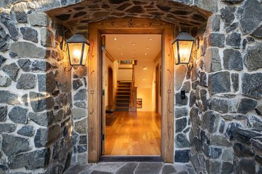416 Forest Road A Vail, CO - Image 13