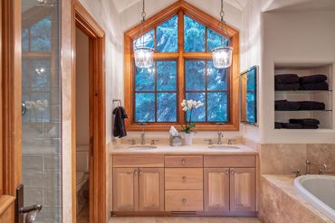 416 Forest Road A Vail, CO - Image 9
