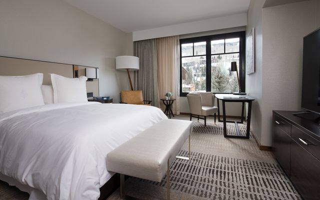 Four Seasons Private Residences # 6103 - photo 13