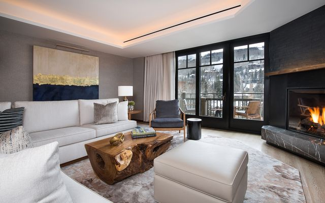 Four Seasons Private Residences # 6103 - photo 4