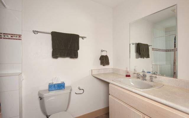 952 Lakepoint Circle - photo 21