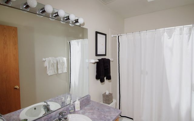 24 Aspen Glen Court - photo 8