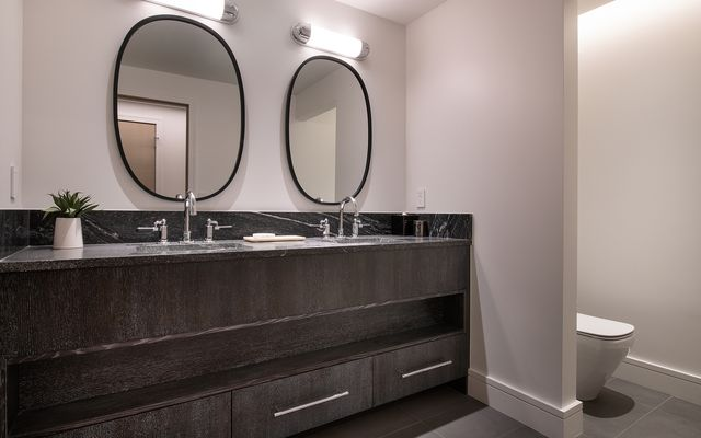 Four Seasons Private Residences # 3102 - photo 16
