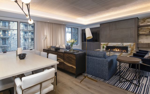 Four Seasons Private Residences # 3102 - photo 2