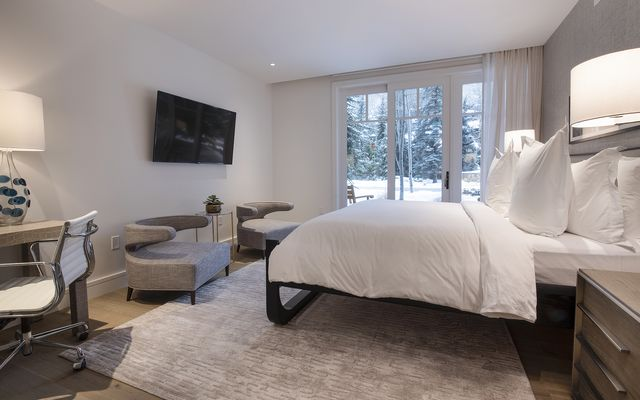Four Seasons Private Residences # 3102 - photo 9