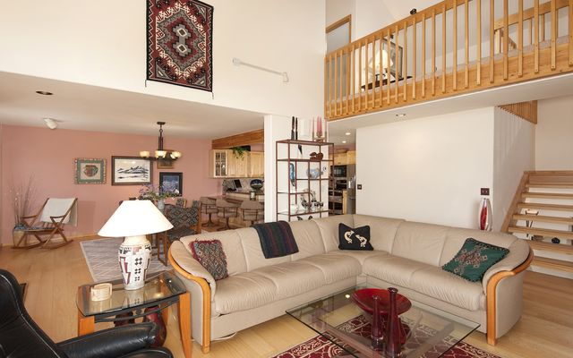 1539 Royal Buffalo Drive - photo 8