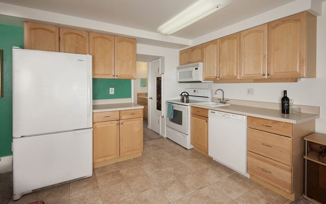 Yacht Club Condo # 31 - photo 3