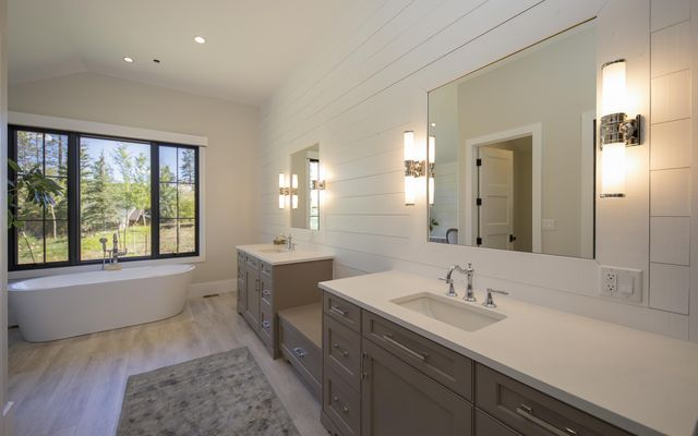 145 Highline Crossing - photo 18