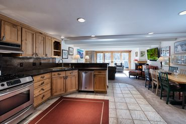 390 E Lionshead Circle # 101 Vail, CO - Image 4