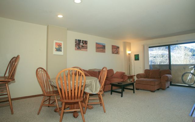 137 Benchmark Road # 224 - photo 2