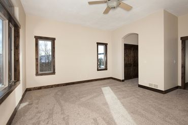 606 Willowbrook ROAD - Image 11