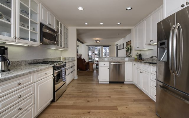 102 Mission Place - photo 1