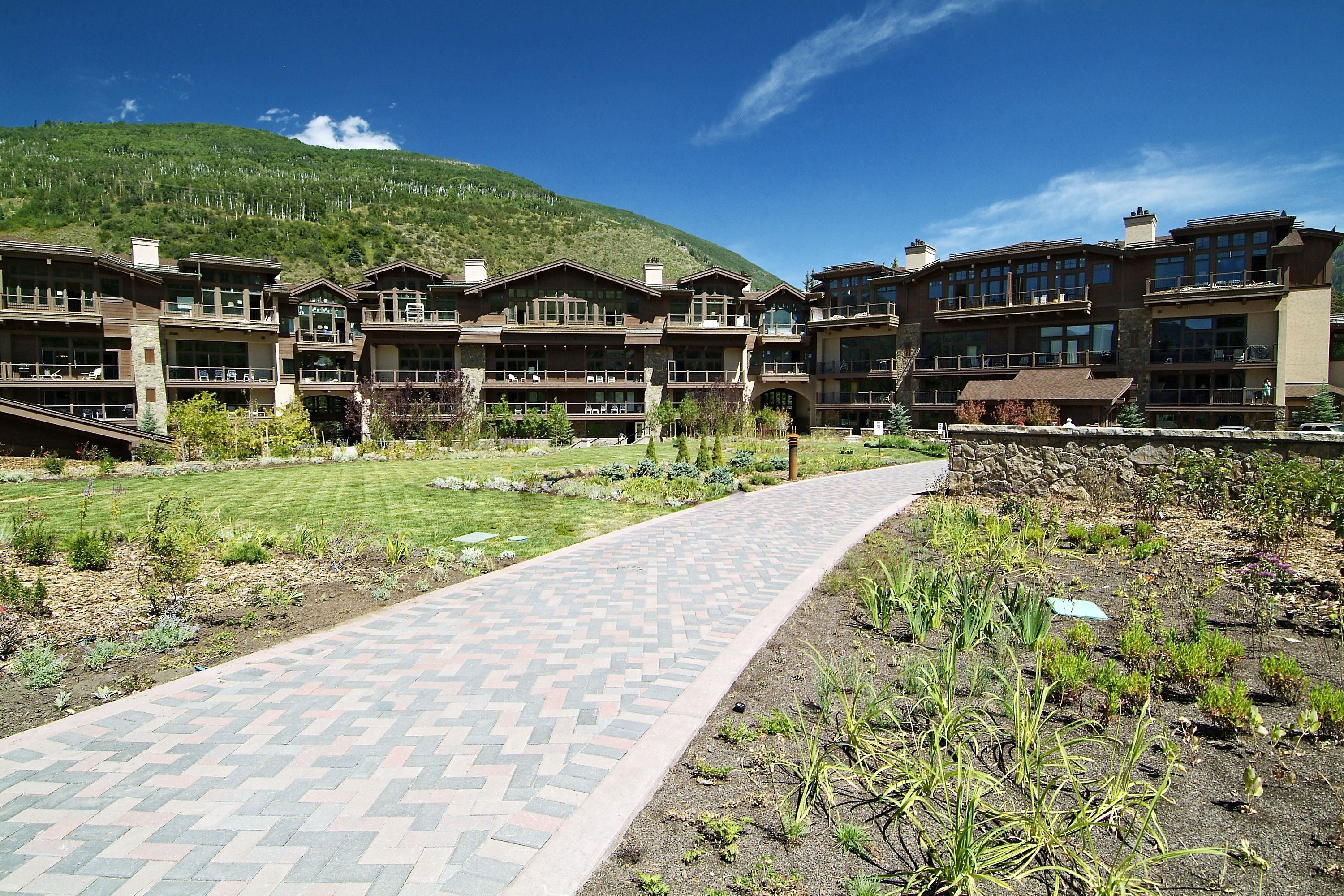 595 E Vail Valley Drive Parking Vail, CO 81657