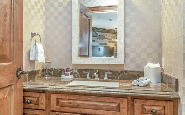 Ritz-Carlton Residences # R-102 - photo 16