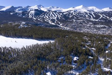 0057 Apex CIRCLE BRECKENRIDGE, Colorado