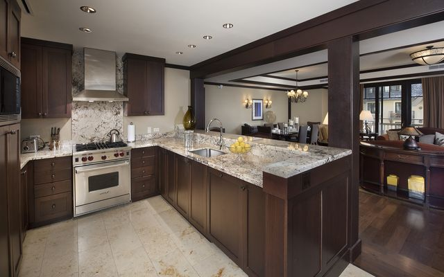 Four Seasons Private Residences # 7101 - photo 5