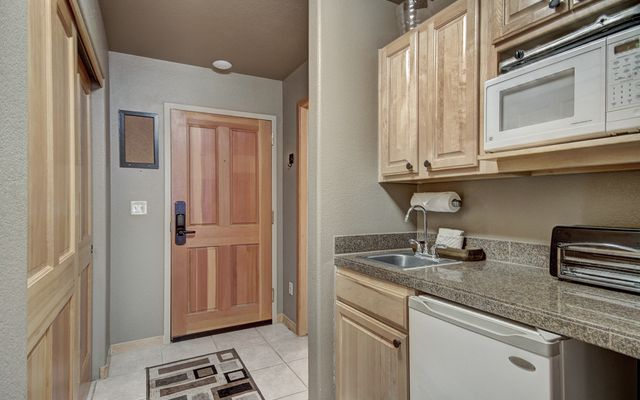 Gateway Condo # 5006 - photo 1