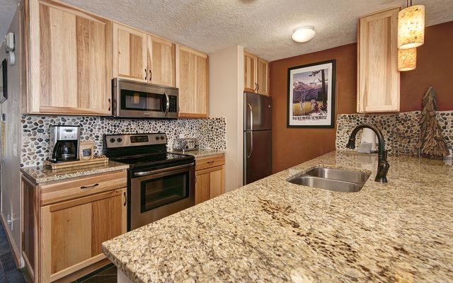 Pines At Keystone Condo # 2065 - photo 5