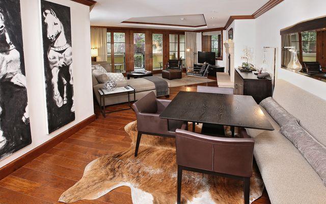 Ritz-Carlton Residences # R-4 - photo 1