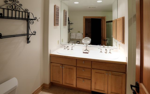 Oxford Court Condo # 205 - photo 12