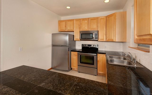 689b Meadow Drive # 689b - photo 4