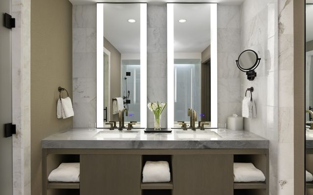 Four Seasons Private Residences # 8034 - photo 21