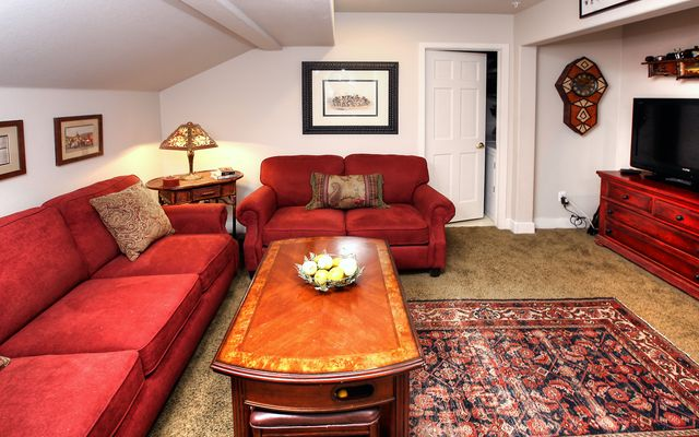 Eagle River Enclave Condo # 666 - photo 10