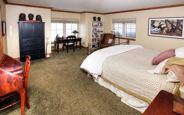Eagle River Enclave Condo # 666 - photo 11