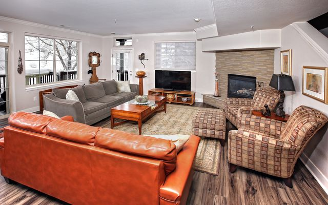 Eagle River Enclave Condo # 666 - photo 2