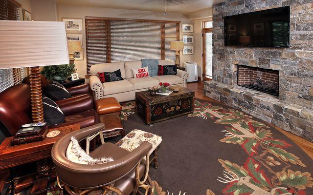 Pinecone Lodge # 102 - photo 2