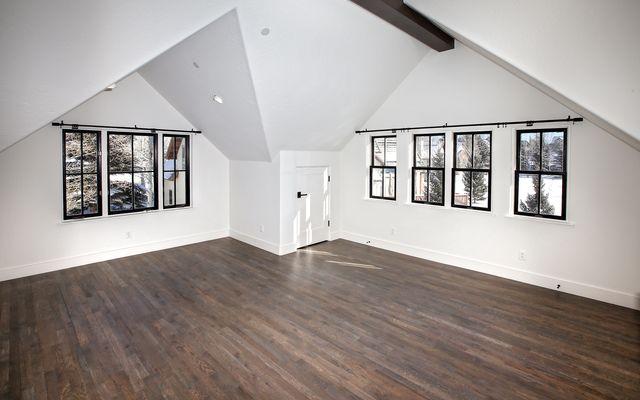 617 Kensington Drive - photo 10