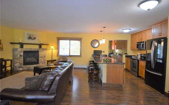 402 S 4th Ave - photo 3
