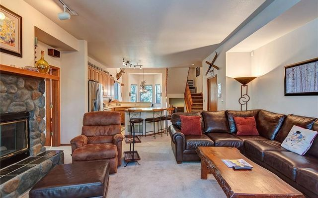 Village Point Townhomes At Breck 106 - photo 8