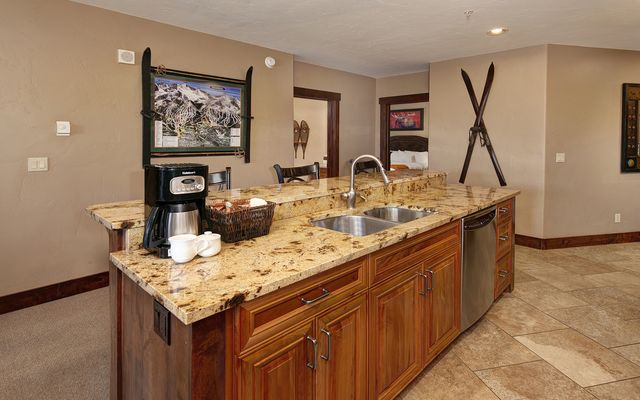 Crystal Peak Lodge Condos 7000 - photo 6
