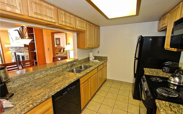 Village Square Condo 531/533  - photo 4