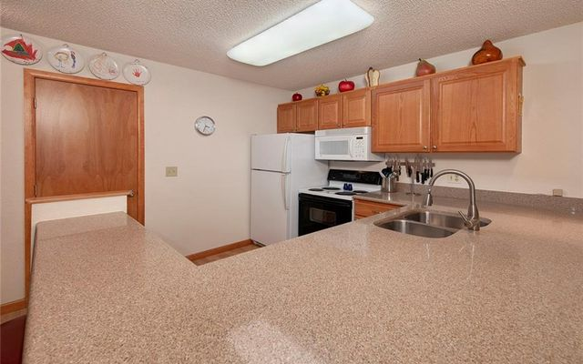 Longbranch Condo 102 - photo 17
