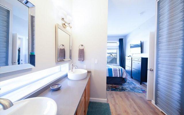 Lake Forest Condominiums 206e - photo 15