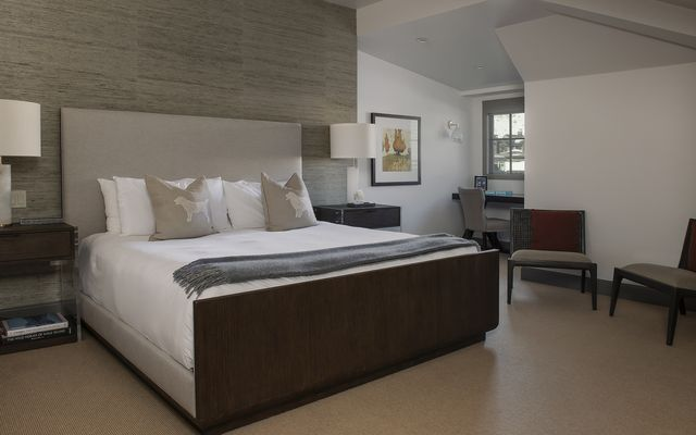 Ritz-Carlton Residences # R-624 - photo 16
