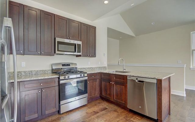 West Hills Townhomes  - photo 5
