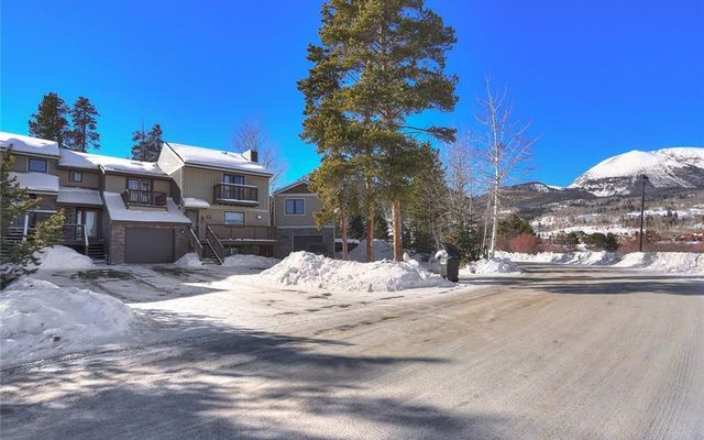 Pine Point Townhomes 922 - photo 1