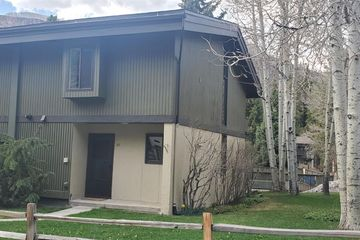 1975 W Gore Creek Drive # 27 Vail, CO