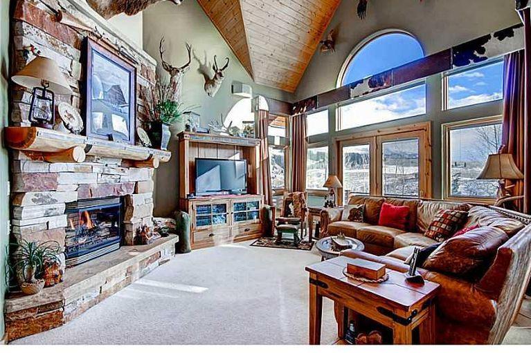 220 Darby DRIVE SILVERTHORNE, Colorado 80498