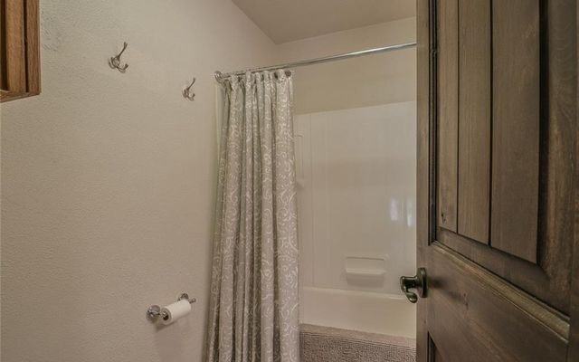 421 Tanglewood Lane - photo 22