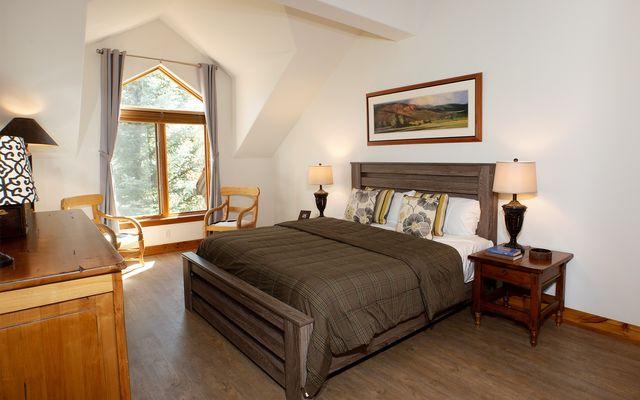 Pinecone Lodge 310 - photo 4