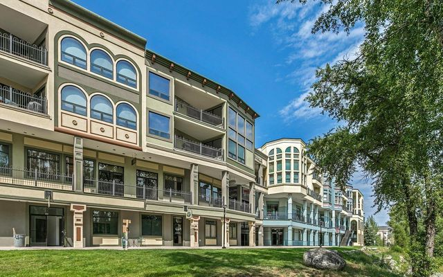 Riverwalk Crystal Building r203 - photo 24