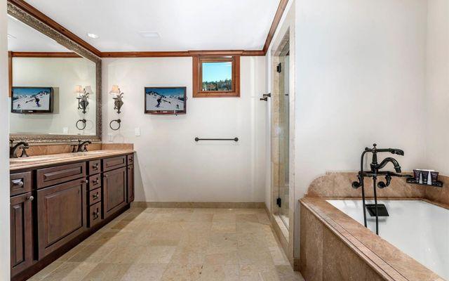 Ritz Carlton Residences R-517 - photo 11