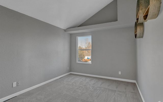 1401 Valentia Street - photo 15